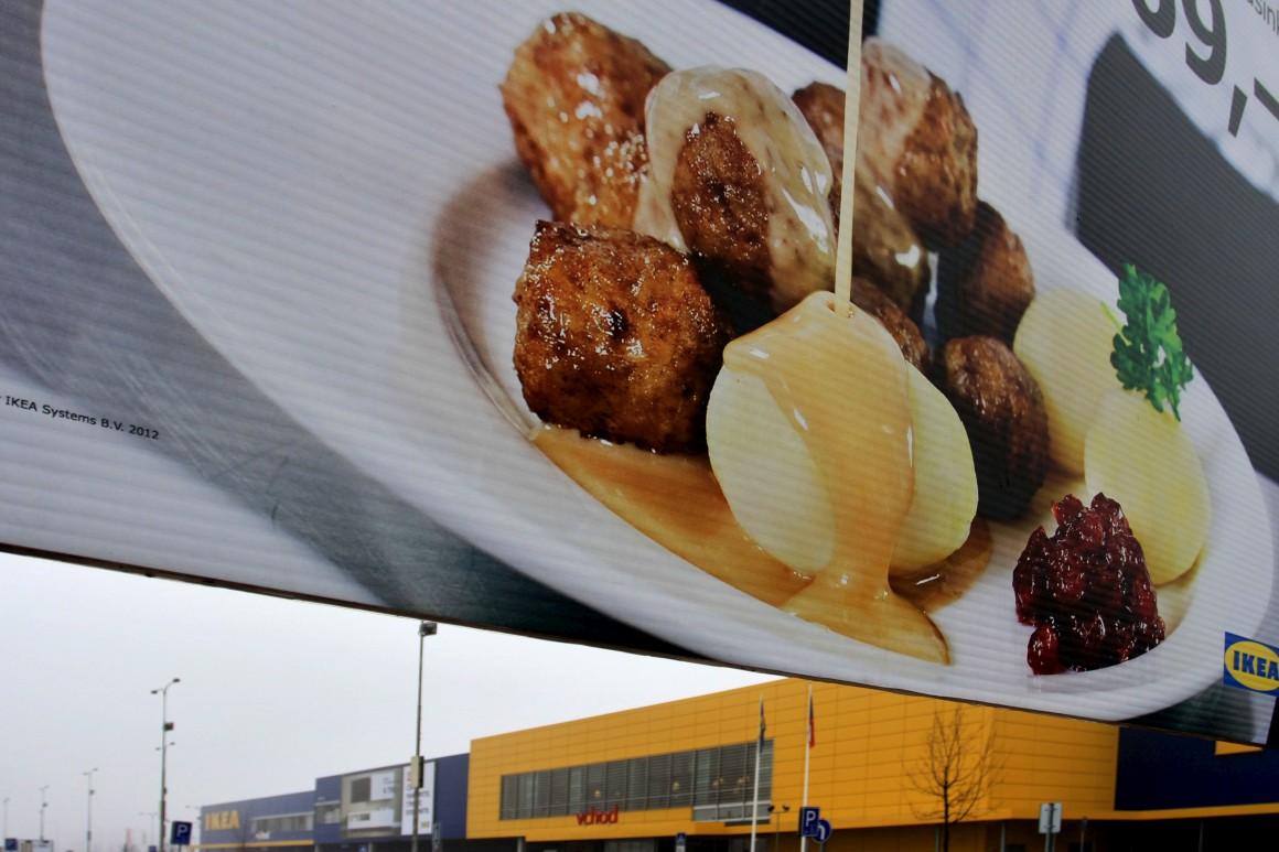 IKEA suspende venda de lasanha de veado por encontrar porco