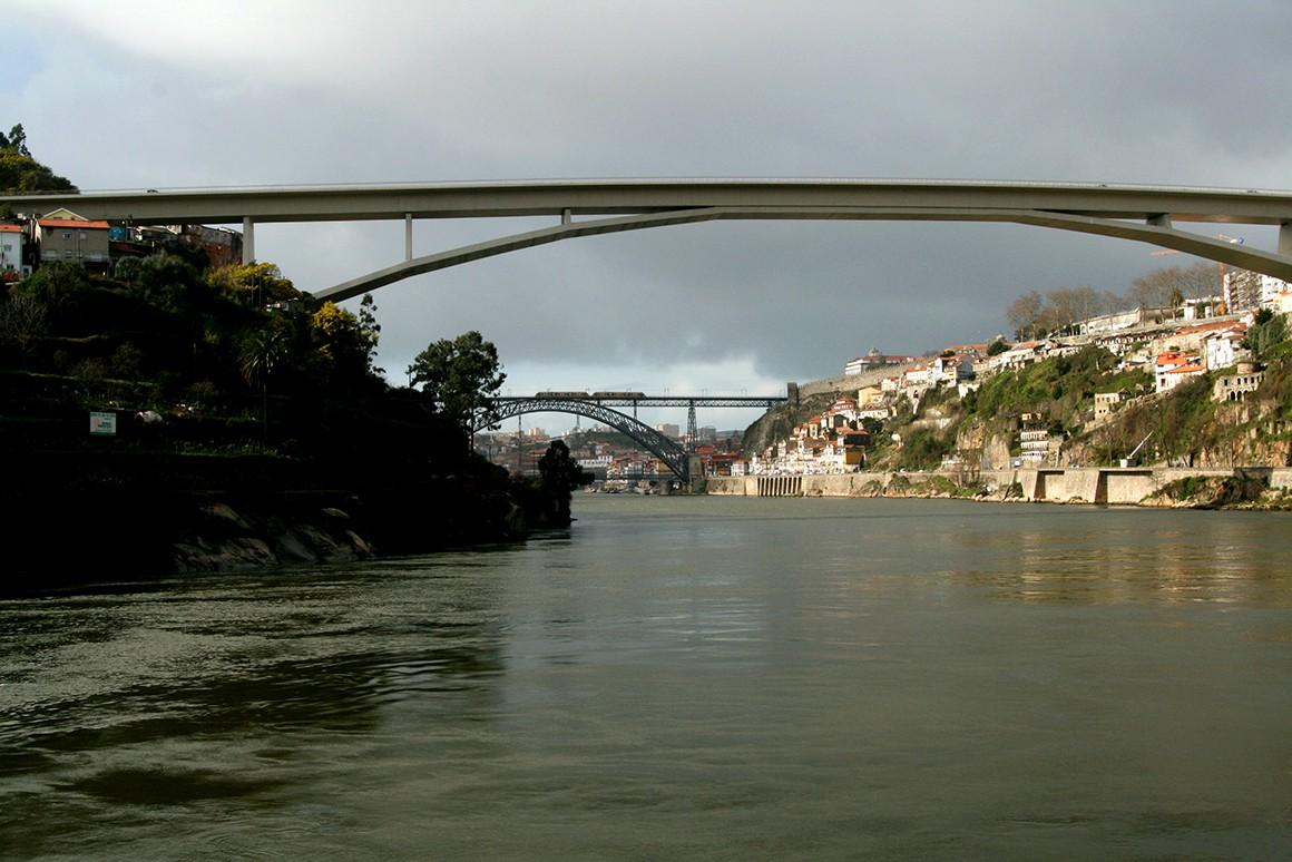 Gaia vai ter nova unidade de atracagem e hotel na zona ribeirinha - Público.pt
